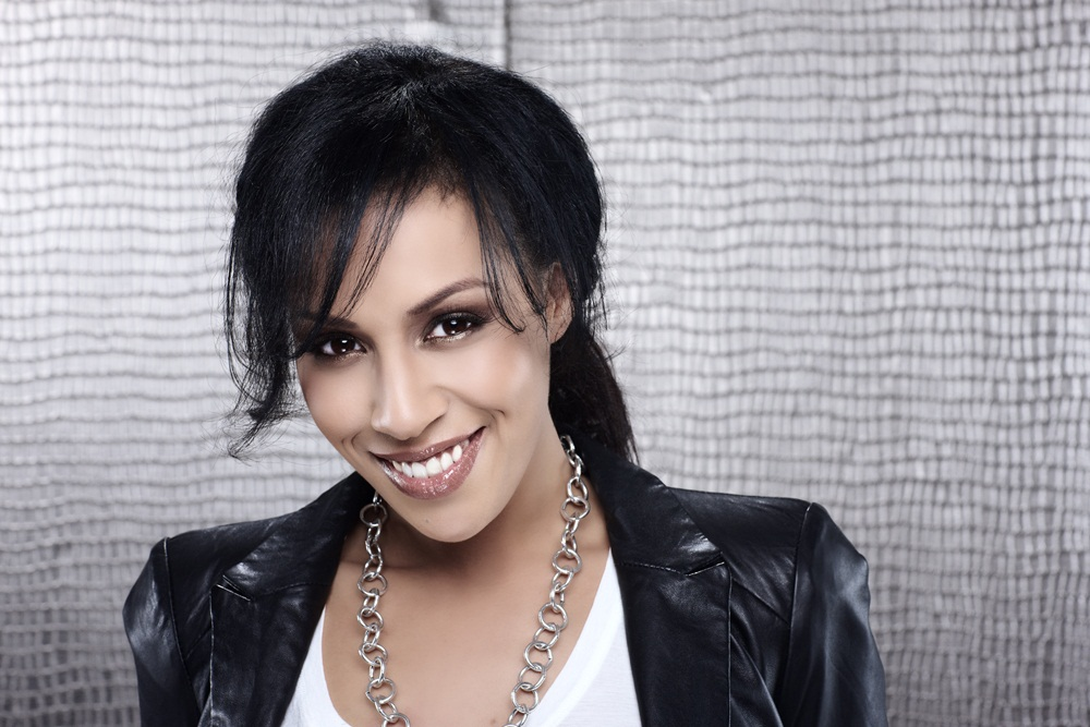 Vote for Glennis Grace BEFORE 7:00 AM EDT